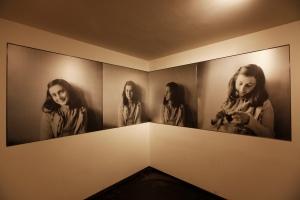 Anne Frank era apenas uma adolescente durante a II Guerra Mundial