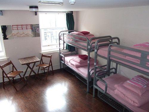 Um dos quartos do St. Christopher's Oasis