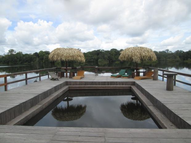 Piscina flutuante Juma Amazon Lodge Guia Aleatório de Turismo